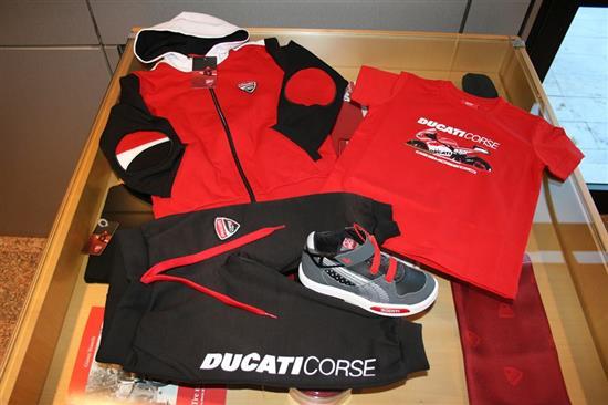 T-shirt Bimbo Ducati Desmosedici