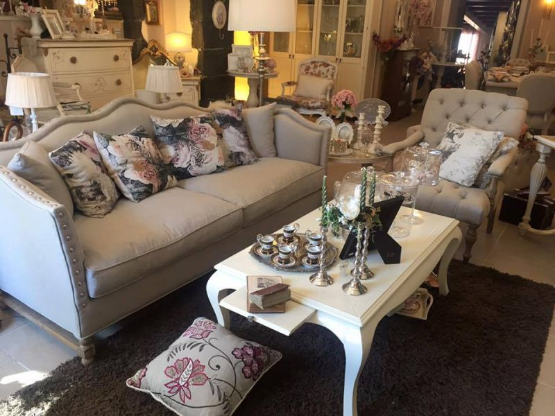 Soggiorni, salotti, divani e poltrone in stile shabby da ...